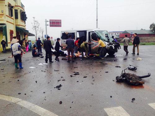 Xác định nguyên nhân ban đầu vụ xe đón dâu gặp nạn ở Hà Nam - 1