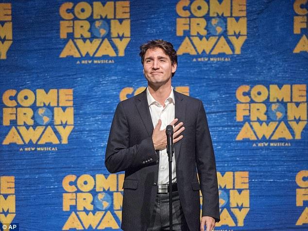 """Con gái Trump """"bỏ rơi"""" bố đi với Thủ tướng Canada đẹp trai - 1"""