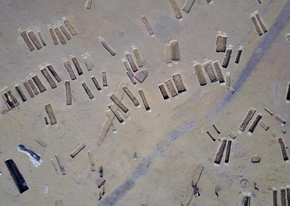 Đào được 200 quan tài cổ nghìn năm dài như thuyền ở TQ - 2
