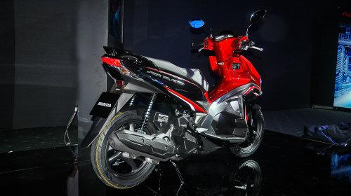 """Yamaha NVX 125 """"ám ảnh"""" Honda Air Blade 125 ra sao? - 5"""