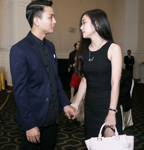 Hoài Lâm nắm tay bạn gái không rời tại đám cưới Mai Quốc Việt - 2