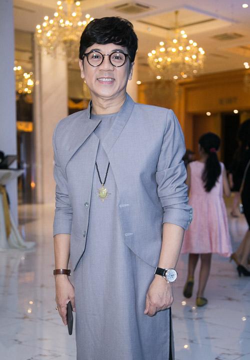 Hoài Lâm nắm tay bạn gái không rời tại đám cưới Mai Quốc Việt - 8