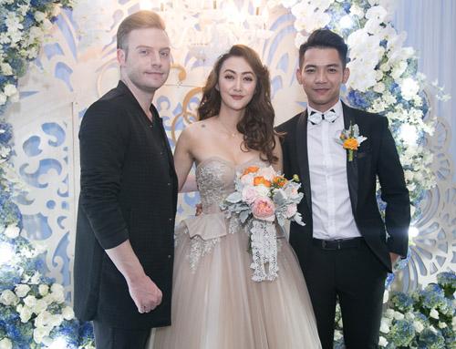 Hoài Lâm nắm tay bạn gái không rời tại đám cưới Mai Quốc Việt - 10