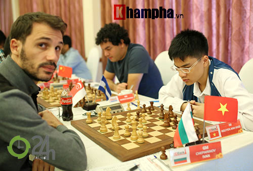 """Quang Liêm """"đấu chung kết"""" với 3 kỳ thủ Trung Quốc - 1"""