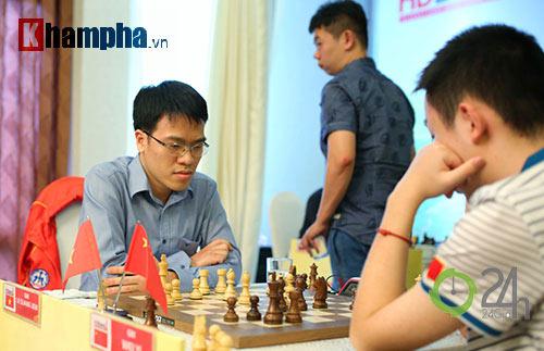 """Quang Liêm """"đấu chung kết"""" với 3 kỳ thủ Trung Quốc - 2"""