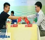 """Quang Liêm """"đấu chung kết"""" với 3 kỳ thủ Trung Quốc - 3"""