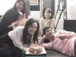 """Xuân Bắc """"nằm dài"""" trong tiệc sinh nhật BTV Hoài Anh"""
