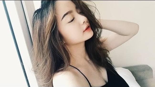 Kaity Nguyễn tên thật là Nguyễn Ngọc Bình Kaity. Cô nàng từng có một thời gian dài sống ở Mỹ với gia đình.