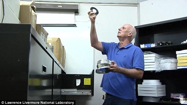 Video hiếm về những vụ thử bom nguyên tử tối mật của Mỹ - 2