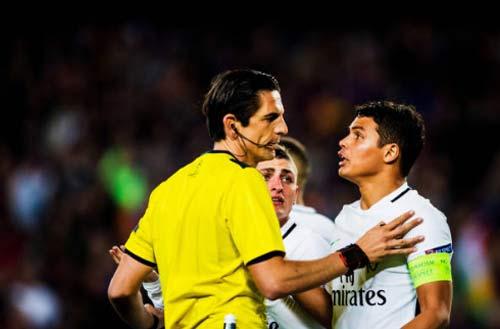 Trăm nghìn fan đòi Barca - PSG đá lại: Pique thêm dầu vào lửa - 3