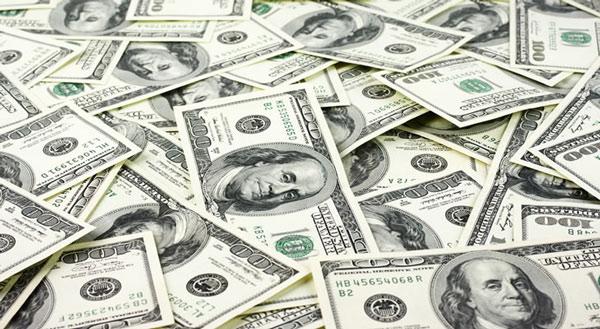 """FED tăng lãi suất: Có nên """"nhấc"""" lãi suất 0% USD tại Việt Nam? - 1"""