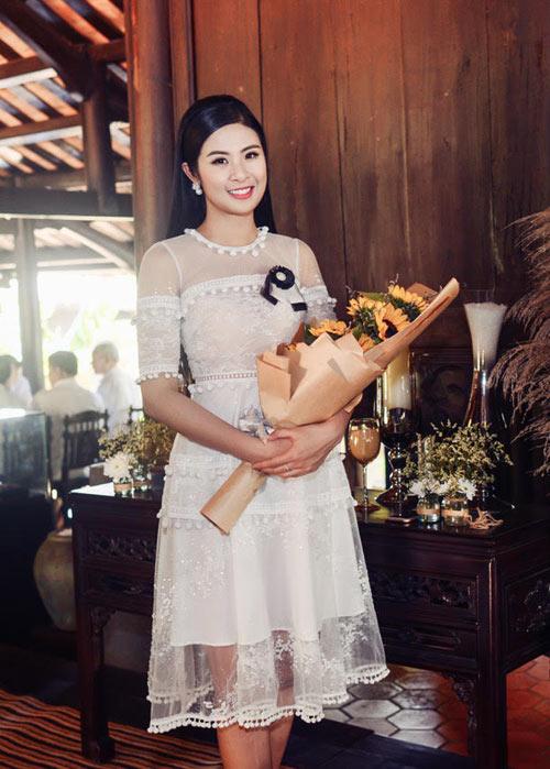 Hà Kiều Anh, Elly Trần mặc thấu da, gợi cảm nhất tuần - 5