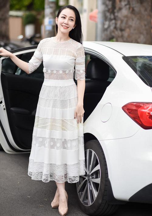 Hà Kiều Anh, Elly Trần mặc thấu da, gợi cảm nhất tuần - 7