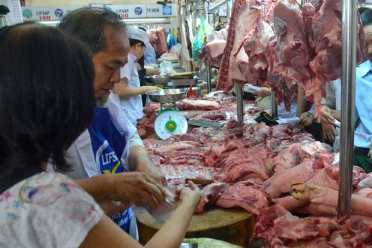 Truy xuất nguồn gốc thịt gặp khó ở chợ - 1