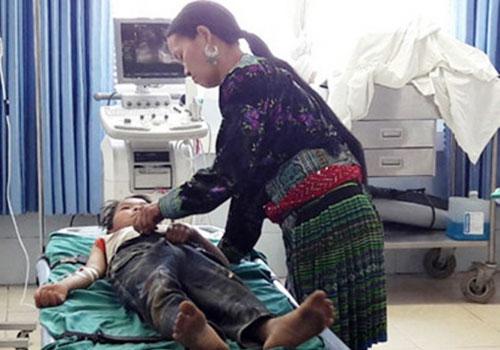 4 học sinh tiểu học Lai Châu suýt mất mạng vì ăn lá ngón - 1
