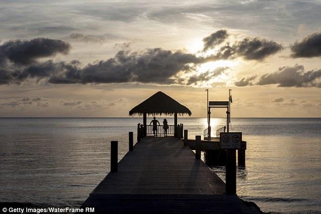 Quốc đảo chỉ xây khách sạn 5 sao đón khách nhà giàu - 3
