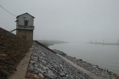 Cận cảnh đoạn sông khiến chủ tịch Bắc Ninh bị đe dọa - 1