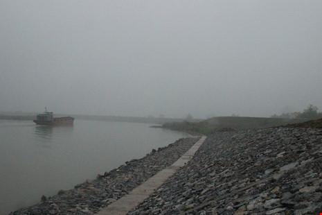 Cận cảnh đoạn sông khiến chủ tịch Bắc Ninh bị đe dọa - 2