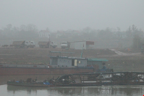 Cận cảnh đoạn sông khiến chủ tịch Bắc Ninh bị đe dọa - 7