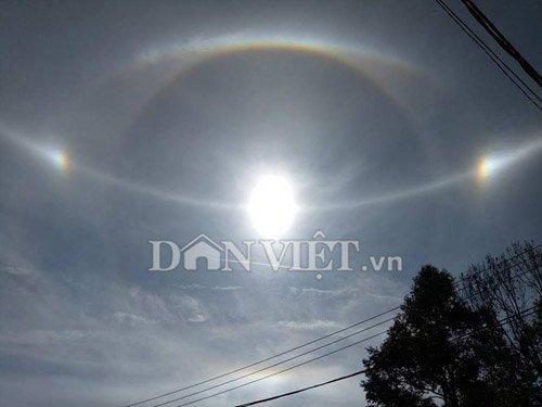 Clip: Xuất hiện quầng sáng kỳ lạ quanh mặt trời ở Gia Lai - 1
