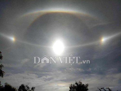 Clip: Xuất hiện quầng sáng kỳ lạ quanh mặt trời ở Gia Lai - 2