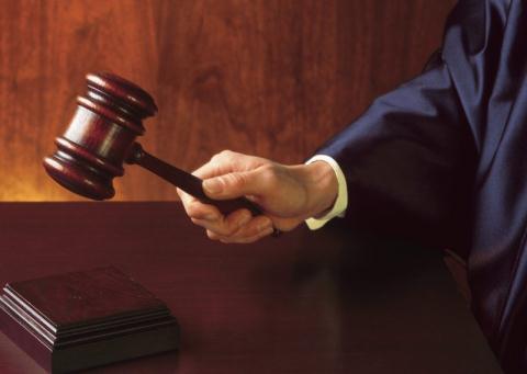 Cha kiện con gái ra tòa, đòi lại học phí cả gốc lẫn lãi - 2