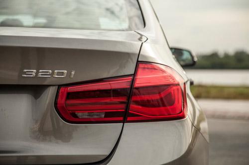 BMW 3-SERIES: Mẫu xe triệu người mơ - 2