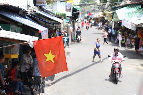 """Chợ hoa ở SG thông thoáng bất ngờ giữa """"cuộc chiến"""" vỉa hè - 5"""