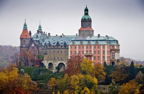 Những tòa lâu đài đẹp như cổ tích tại Ba Lan - 1