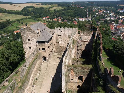 Những tòa lâu đài đẹp như cổ tích tại Ba Lan - 2
