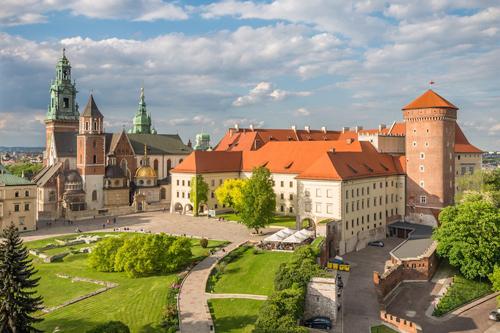Những tòa lâu đài đẹp như cổ tích tại Ba Lan - 7