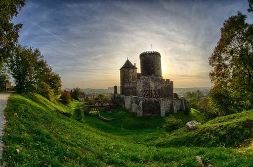 Những tòa lâu đài đẹp như cổ tích tại Ba Lan - 6