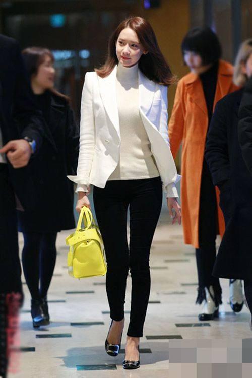 """Chiếc áo """"thần thánh"""" cô gái Hàn nào cũng thích - 1"""