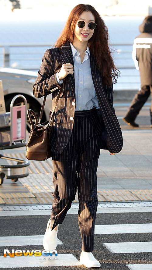 """Chiếc áo """"thần thánh"""" cô gái Hàn nào cũng thích - 11"""