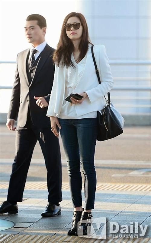 """Chiếc áo """"thần thánh"""" cô gái Hàn nào cũng thích - 12"""