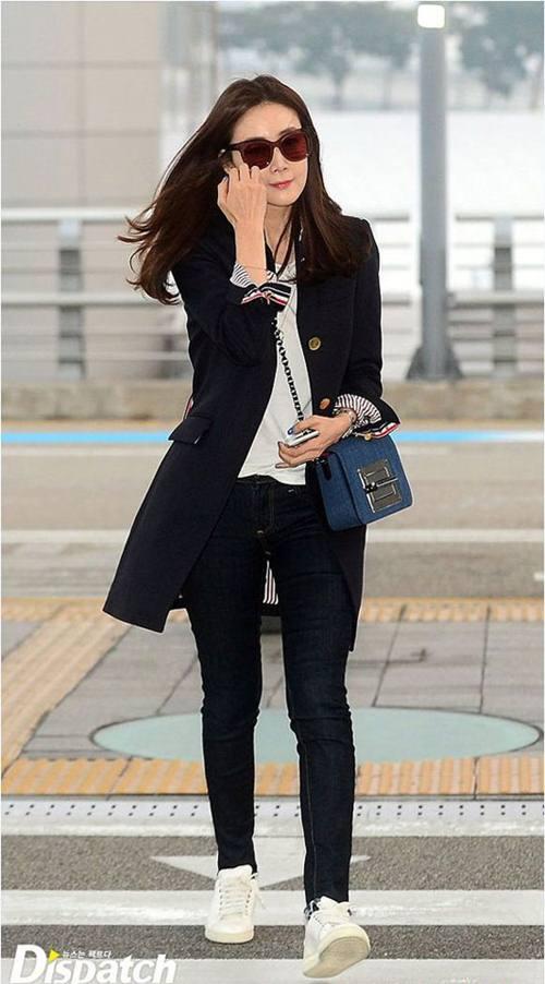 """Chiếc áo """"thần thánh"""" cô gái Hàn nào cũng thích - 14"""