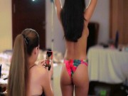 """Thời trang - Người mẫu Brazil """"náo loạn"""" bãi biển với bikini vẽ"""