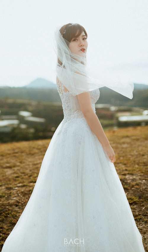 Hot girl Tú Linh- fan ruột MU xinh đẹp như công chúa trong bộ ảnh cưới - 4