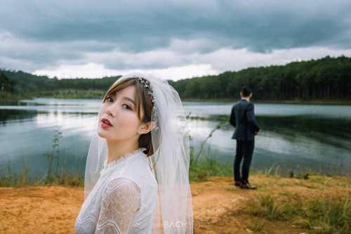 Hot girl Tú Linh- fan ruột MU xinh đẹp như công chúa trong bộ ảnh cưới - 9