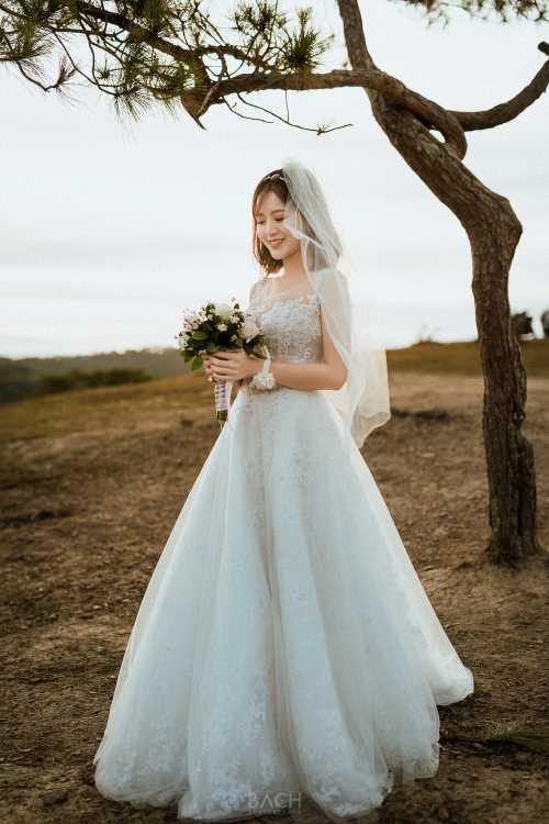 Hot girl Tú Linh- fan ruột MU xinh đẹp như công chúa trong bộ ảnh cưới - 13
