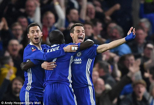 "Stoke – Chelsea: Nguy hiểm ở ""Vương quốc gió"" - 2"