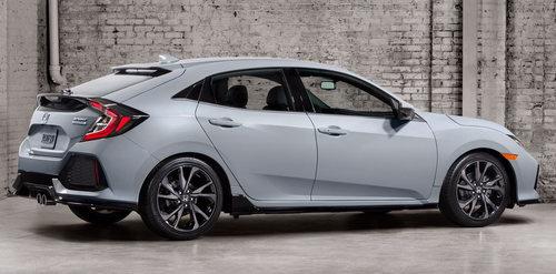 Honda Civic Hatchback 2017 có giá 764 triệu đồng - 2
