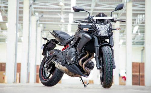 """Kawasaki ER-6n chiết khấu lớn """"chiến"""" Honda CB650F - 1"""