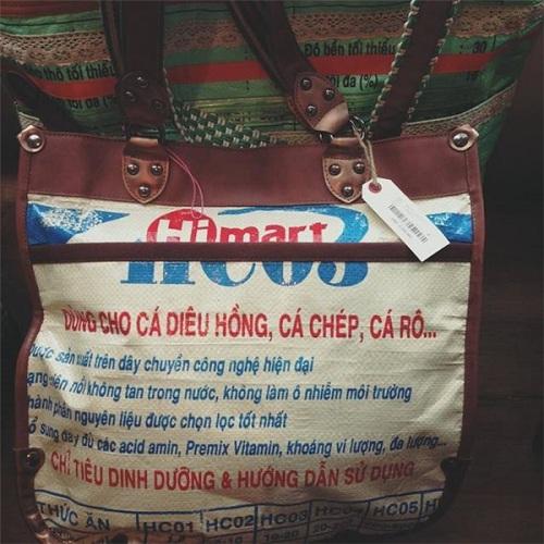 """Sốc khi thấy bao cám heo Việt thành mốt """"đắt"""" thế giới - 6"""