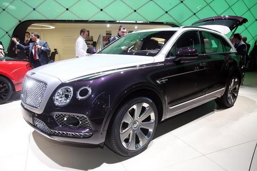 Cận cảnh SUV siêu sang đặc biệt Bentley Bentayga Mulliner - 1