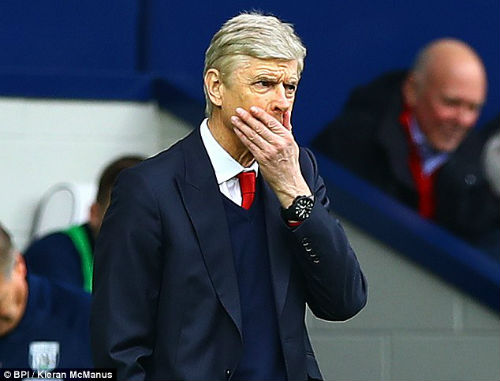 Arsenal tồi tệ nhất 2 thập kỷ, Wenger ngoan cố giữ ghế - 1