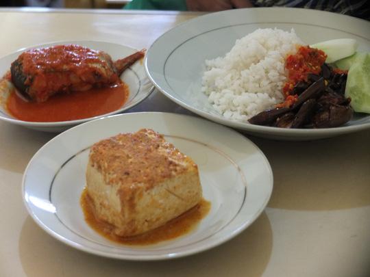 Những món bình dân phải thử khi đến Indonesia - 5