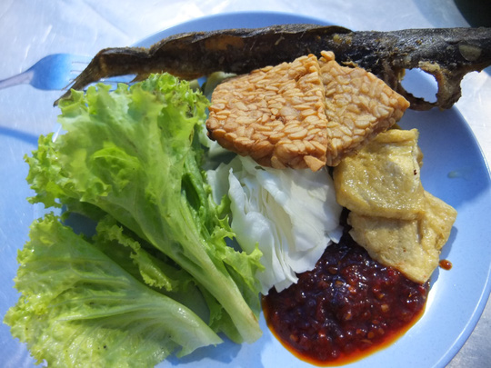 Những món bình dân phải thử khi đến Indonesia - 7