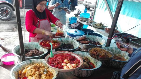 Những món bình dân phải thử khi đến Indonesia - 4