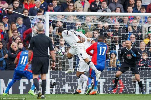 Crystal Palace - Watford: Săn bàn... nhầm lưới nhà - 1